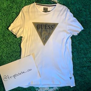 GUESS Jeans Triangle Graphic Tee